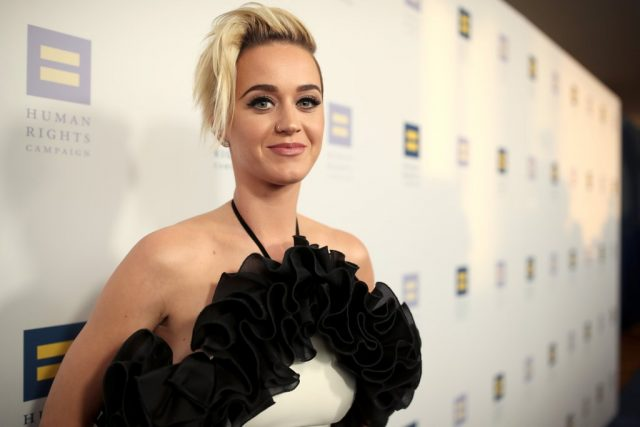Katy Perry googles hot pics of herself to fight insecurity